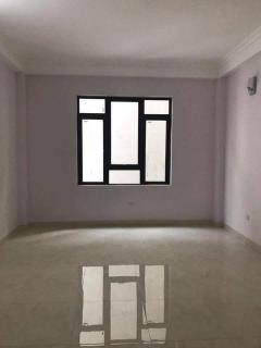Tin mới, cần bán nhà tôn thất tùng, đống đa 38m2 5 tầng đẹp,