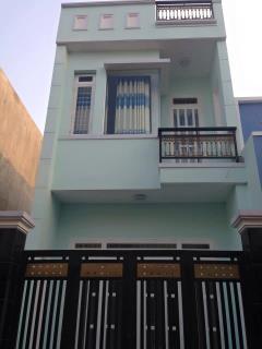 Nhà mới xây hà huy giáp & tô ngọc vân ,4x6 đúc 1 lầu, 570tr