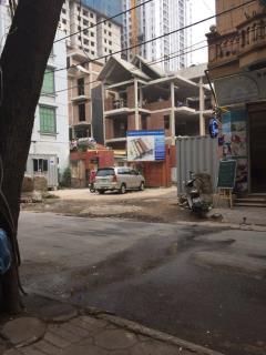 Bán nhà phố 5 tầng, đường rộng 9,5m, giá 27tr/m2.lh:09166921