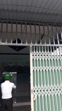 Bán nhà ngay chợ hóc môn 4 x 17m sổ hồng riêng giá 1 tỷ
