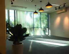 Cần cho thuê văn phòng tại quán thánh, diện tích 90m2.