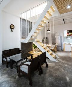 Nhà nằm vị trí đẹp ,xây mới bà triệu gần chợ hà đông 41m2/