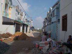 Bán nhà phố liền kề chợ hưng long, sổ hồng, giá 395tr- 690tr