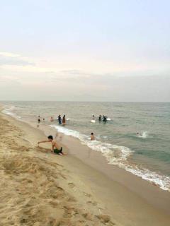 Một lô đất cạnh biển, 2 bước ra công viên, 3 bước ra bãi tắm