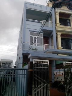 Nhà 3 tầng - 248m2 có bìa đỏ chính chủ