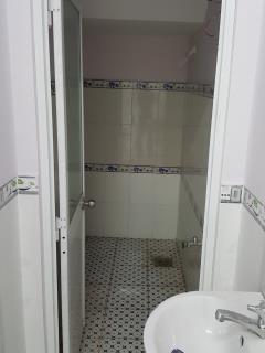 Bán  2 căn liền kề nhà 1 trệt 1 lầu liên tổ 1-2 nvc (hẻm 132