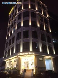 Cho thuê khách sạn mới 100% 32 phòng lê văn lương lô góc