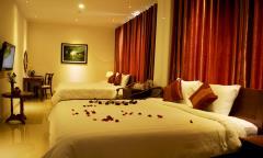 Cho thuê khách sạn 54 phòng mặt phố quận hai bà trưng mt 9 m