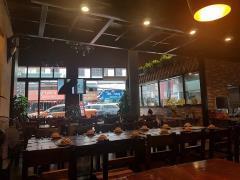 Cho thuê mặt bằng tầng 1 phù hợp làm bar nhà hàng mặt phố cổ