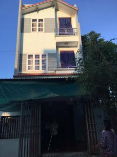 Cần bán nhà 3 tầng, diện tích 82m2 , tại phường lê hồng phon