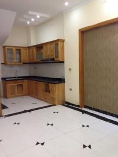 Nhà xa la-phùng hưng 35m, 4 phòng ngủ, ở ngay-0947.201.266