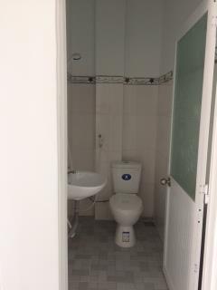 Phòng mới xây sạch, đẹp, thoáng từ 1,5-2,4 tr mặt tiền đường