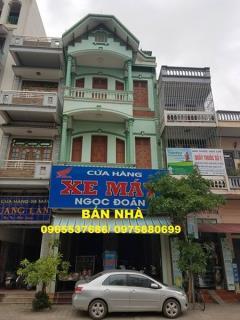 Cần bán nhà 3 tầng tại trung tâm thị trấn ngô đông, giao thu