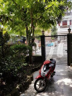 Bán 2 căn nhà liền kề đường xuân thủy, kdc hồng phát a