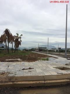 Bán nhanh lô đất 157,2 m2 ngay ngã tư đường