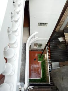 Bán nhà 65m2 x 3t, sđcc, hướng nam, ngõ 612 la thành, phường