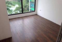 Cho thuê nhà mới mặt phố thợ nhuộm 35m2 x 5 tầng mt 4.5m