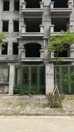Chính chủ cần bán nhà liền kề xây thô lô tt5-92m2