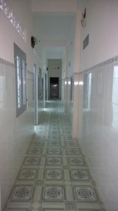 Cần bán nhà mới xây, thích hợp làm khách sạn, giá: 3,3 tỷ