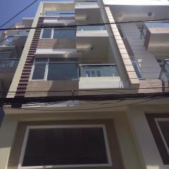 Bán nhà 180m2, 3 lầu, 4pn hxh đường nhiêu tứ quận phú nhuận