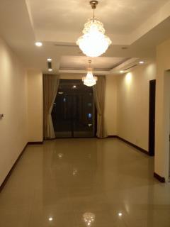 Cho thuê căn hộ chung mulberry 124m2, 2 ngủ cơ bản, 9 triệu