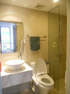 Cho thuê chung cư richland 233 xuân thủy, 90m2, 2n, chỉ 14tr