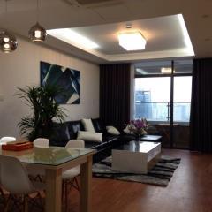 Cho thuê căn hộ chung cư diamond flower, dt 171m2, 4pn, full