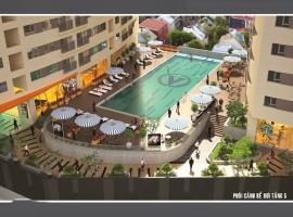 Bể bơi tầng 5