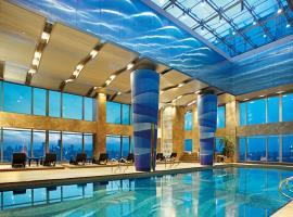 Bể bơi bốn mùa Chung cư Tràng An Complex