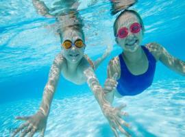 Bể bơi cho trẻ em trong chung cư Riveside Garden