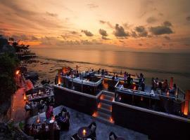 Bar bãi biển tại Aloha Phan Thiết