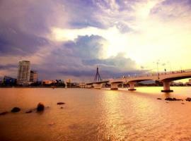 Bãi biển gần dự án Hilton Bạch Đằng