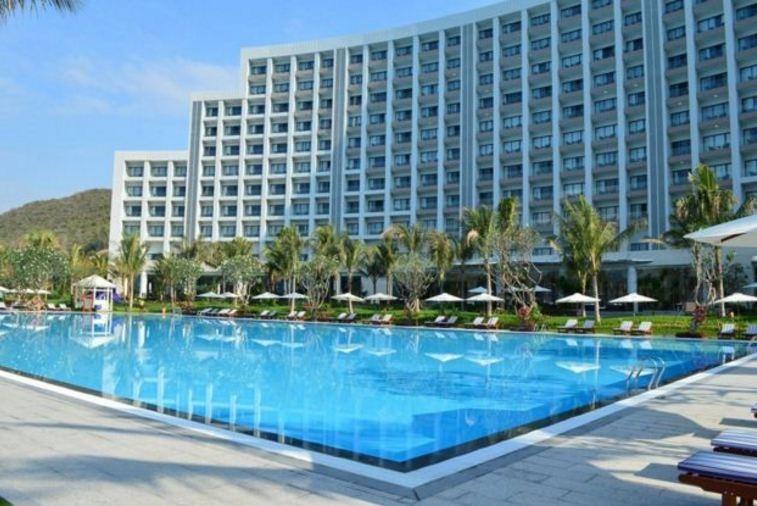 Bể bơi tại dự án Sunshine Nha Trang
