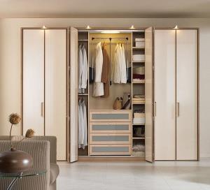 Cách đặt tủ quần áo trong phòng ngủ giúp ăn gian diện tích hiệu quả